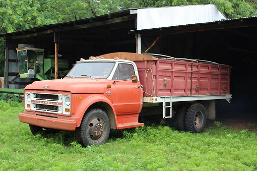 Equipment Auction – Tractors, Trucks, and Machinery | Smith
